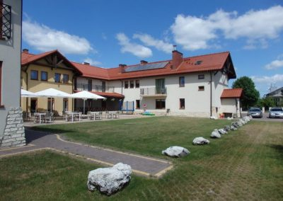 Hotel, Ogrodzieniec